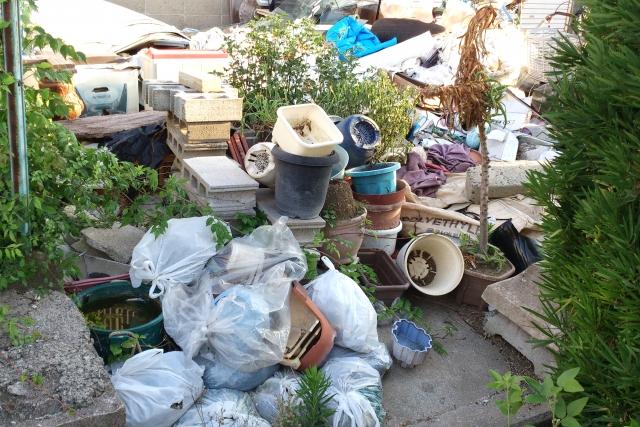 ゴミ屋敷になる人の特徴とは
