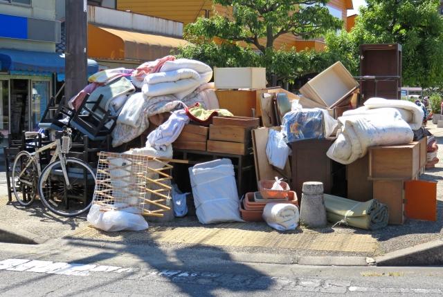不用品回収業者を利用すれば、いらないものをまとめて処分することができる