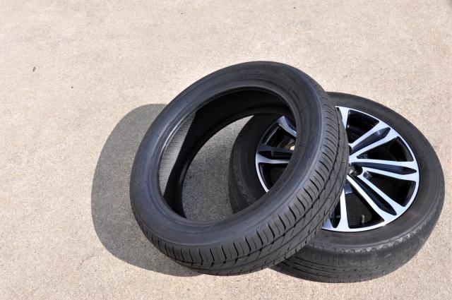 タイヤは自治体で回収できない