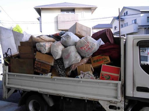 粗大ゴミを回収業者に依頼した状況