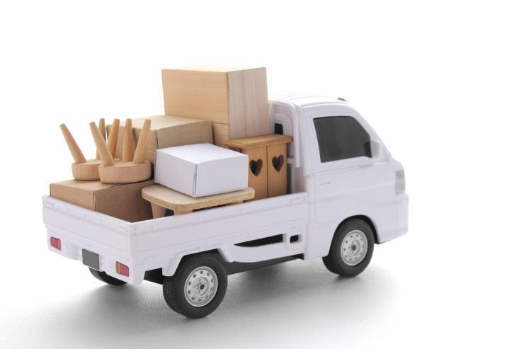 不用品を回収したトラック